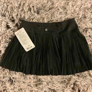 NWT Pleat to Street Skirt